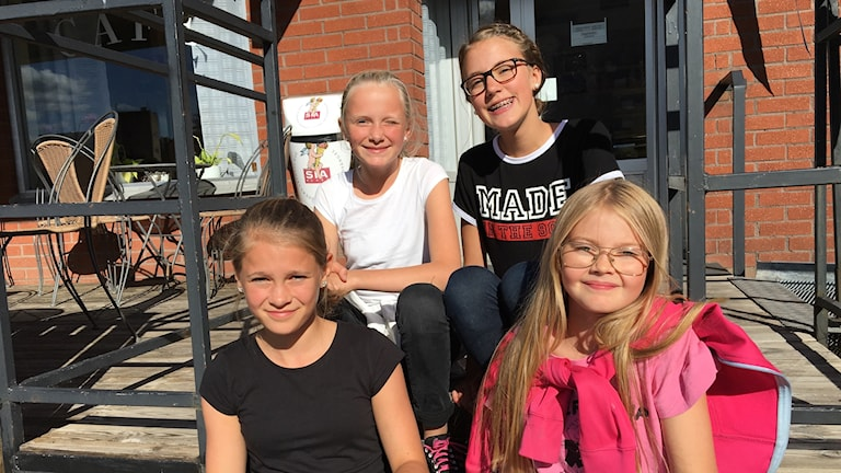 Allis Ribba, Selma Rönningen, Annie Lindstedt och Maja Lewau från 6c.