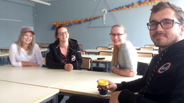 Johanna Larsson, Elin Nilsson, Magdalena af Trolle och Johan Karlsson blivande lärare på Linköpings universitet.