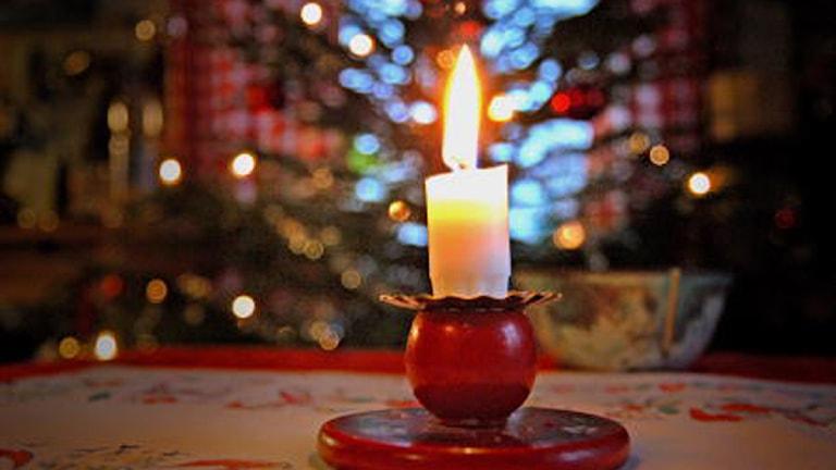 Stearinljus till jul. Foto: Kjell Gustafsson/SVT