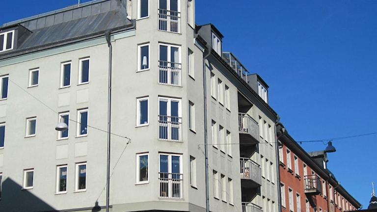 Fastighet med lägenheter. Foto: Maria Turdén/Sveriges Radio.