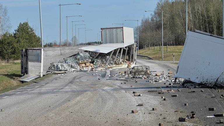 Lastbilsolycka i Mjölby