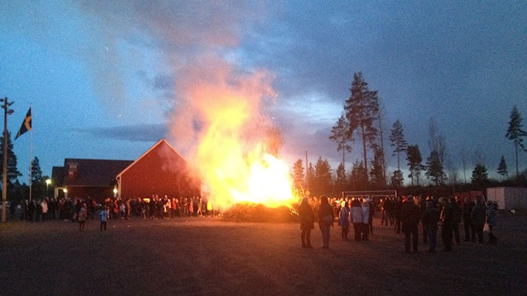 Valborgsfirande i Västra Husby. Foto: Stefan Lindeberg/Sveriges Radio
