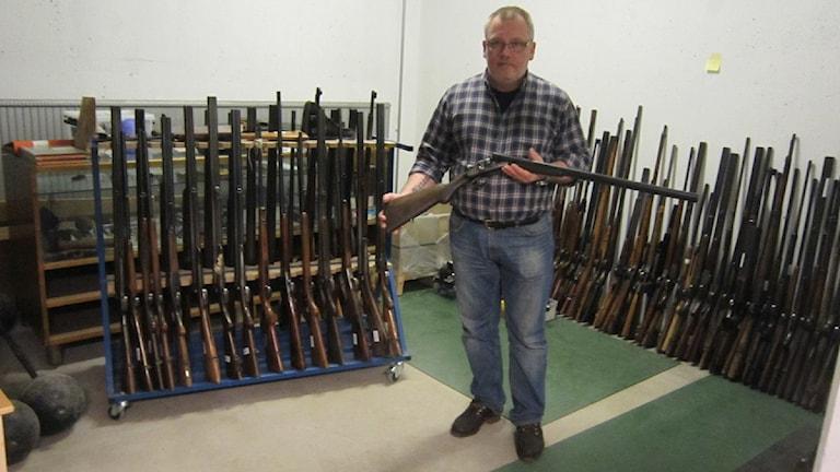 600 Vapen Har Lamnats In Till Polisen P4 Ostergotland Sveriges Radio