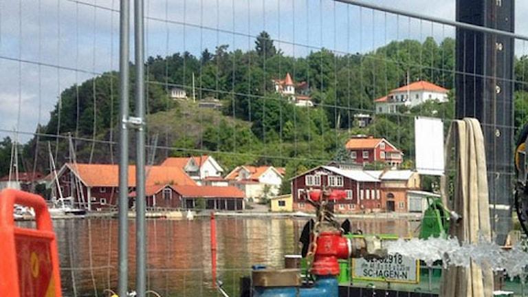 Muddringsarbetet i Valdemarsviken har pågått sedan i våras. Foto: Mathias Lindholm/Sveriges Radio