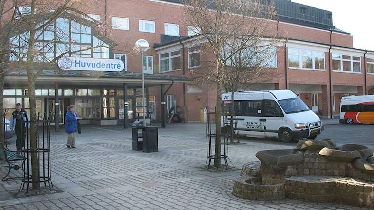 Vrinnevisjukhuset utanför entrén. Foto: Petter Ahnoff/Sveriges Radio
