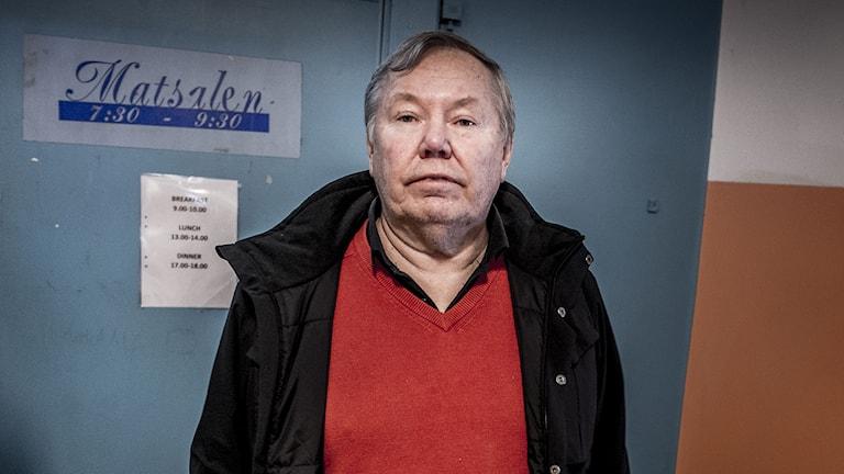 Bert Karlsson i ett annat av hans flyktinghotell. Foto: Magnus Hjalmarson Neideman/TT