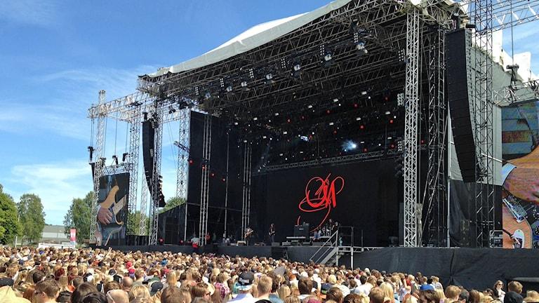Markus Krunegård inledde Bråvallafestivalen 2014 på Luna-scenen. Foto: Per Wistbo Nibell/Sveriges Radio