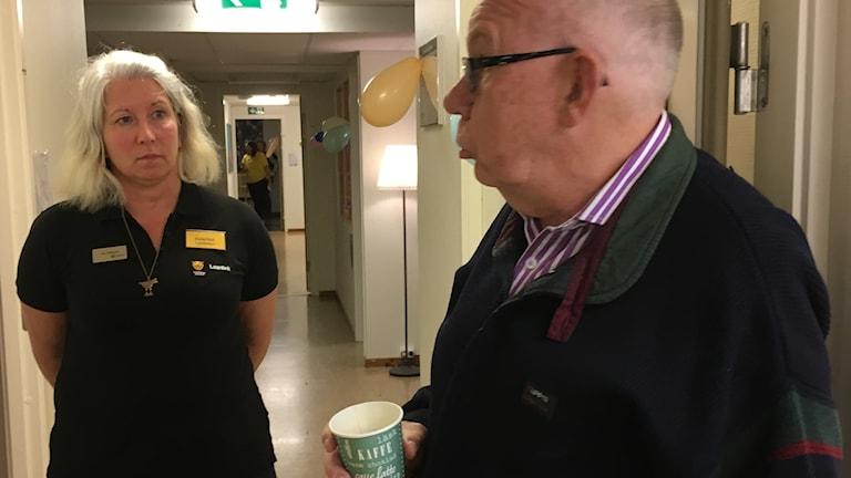 Åsa Dahlström och Christer Eklöf hos hos Råd och stöd i Lambohov.
