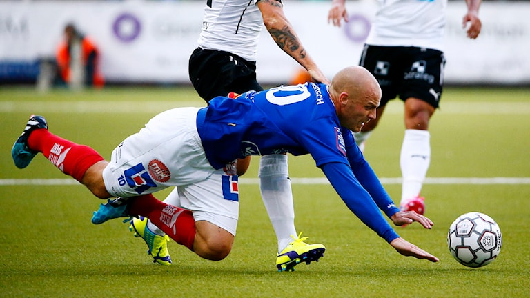 Daniel Sjölund i Åtvidabergs FF faller.