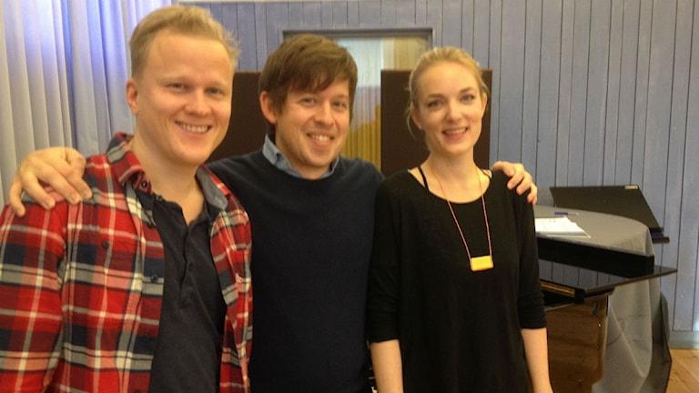 Henrik Ståhl, Christoffer Nobin och Johanna Rudström som är inblandade i operan Hion om natten foto:Maria Turdén/Sveriges Radio