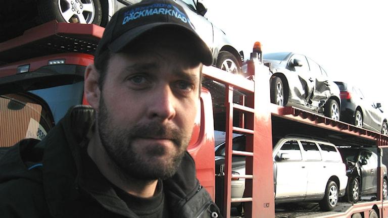 Karstorps bildemontering kan komma att flytta efter branden, säger vd Eddie Johnsson.