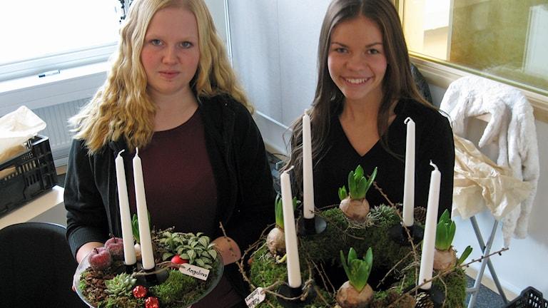 Angelina Karlsson-Löfstrand och Ebba Ideskog. Foto: Peter Bengtsson/Sveriges Radio