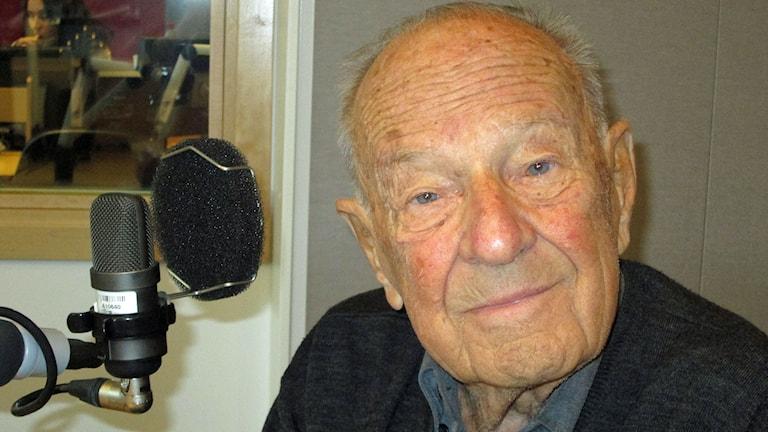 96-årige orienteraren Rune Haraldsson. Foto: Petter Ahnoff/Sveriges Radio