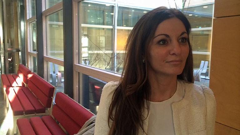 Advokat Elisabeth Massi Fritz, som är målsägandebiträde till tolv av målsägarna. Foto: Christian Ströberg/Sveriges Radio