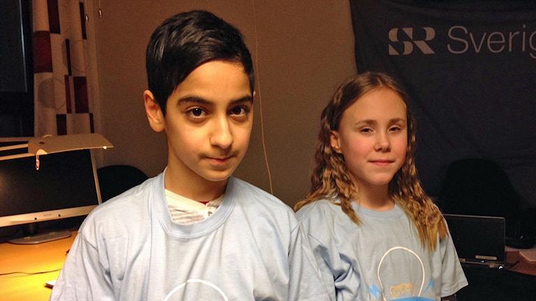 Christian Maraoge och Molly Larsson från Hagaskolan. Foto: Cecilia Osorio/Sveriges Radio