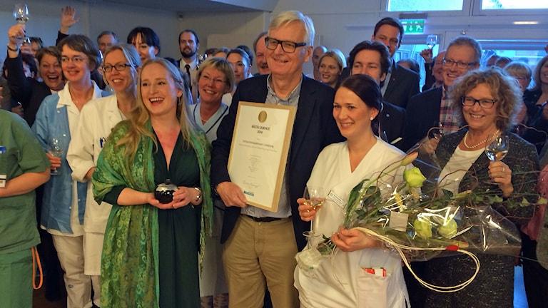 Jubel på universitetssjukhuset i Linköping som är bäst i landet. Foto: Peter Weyde/Sveriges Radio