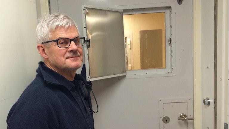 Anders Hägg arrestvakt. Foto: Jessica Gredin/Sveriges Radio.