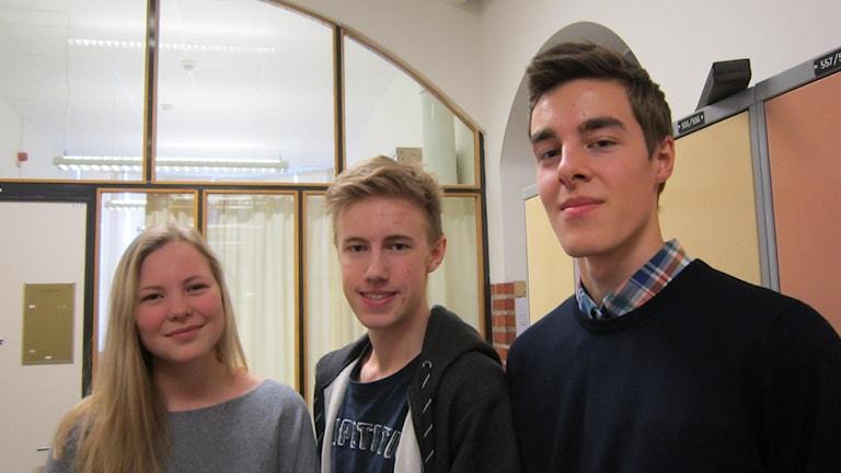 Adina Lidestam, Felix Langueville och Gustav Myhrinder. Foto: Raina Medelius/Sveriges Radio