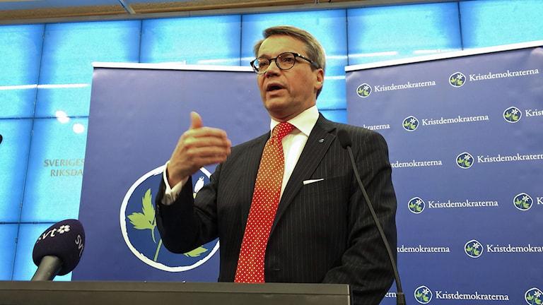 Göran Hägglund på presskonferensen där han meddelade att han avgår. Foto: Marc Femenia/TT