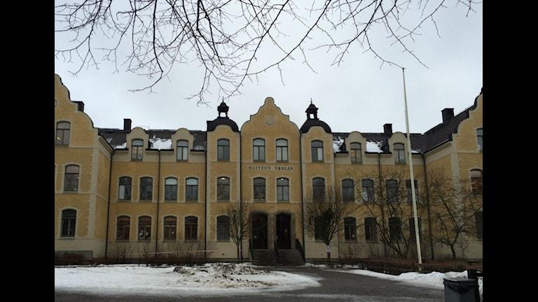 Betyg från fjärde klass, delar skolor och politiska partier. Foto Christian Ströberg/P4 Östergötland