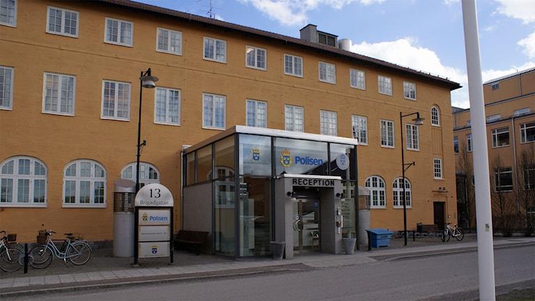 Polisen och Åklagarmyndigheten i Linköping.