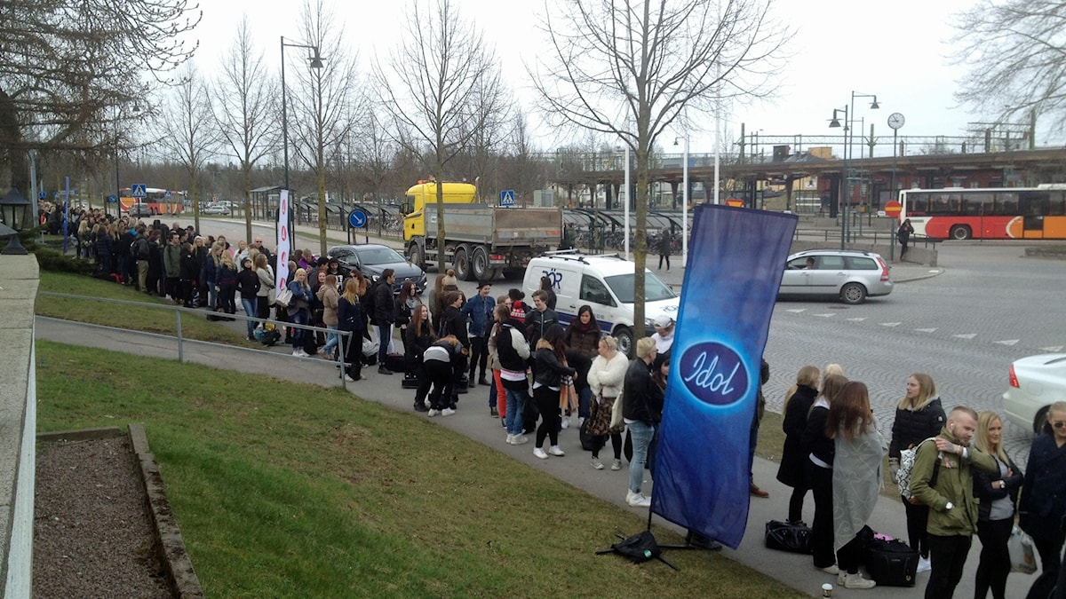 Kö när Idol besöker Mjölby Foto: Maria Turdén/Sveriges Radio