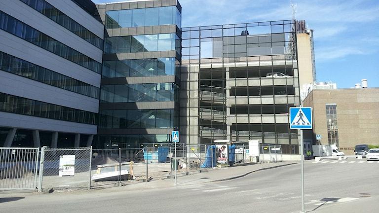 Det nya parkeringshuset när det ännu inte var färdigbyggt.