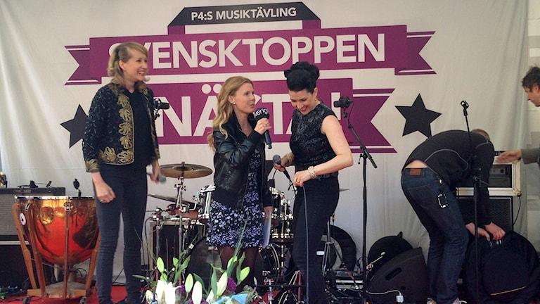 The Shoo Shoo Sisters vinnare 2016 tillsammans med Titti Elm. Foto: Lars Zetterberg/Sveriges Radio