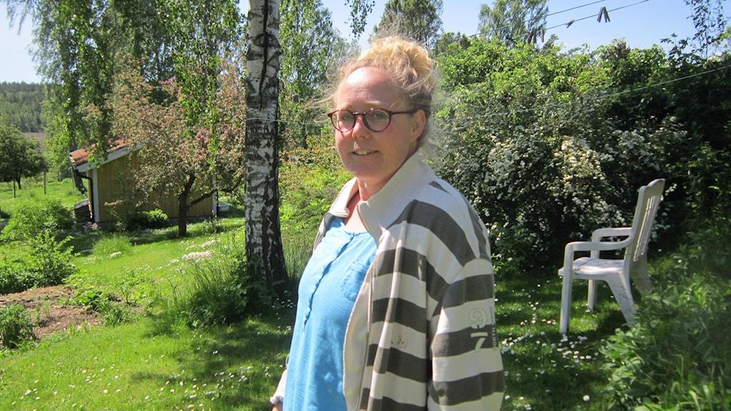 Maria Karnebring på familjens gård i Söderköping. Foto: Raina Medelius/Sverigds Radio
