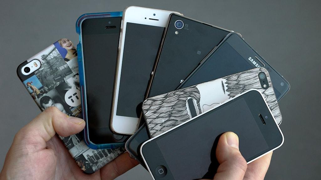 En samling mobiltelefoner. Foto: Janerik Henriksson/TT