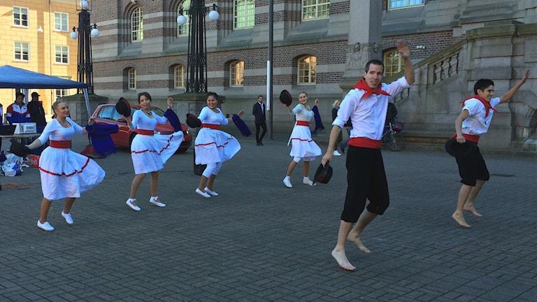 Dans på torg. Foto: Jessica Gredin/Sveriges Radio