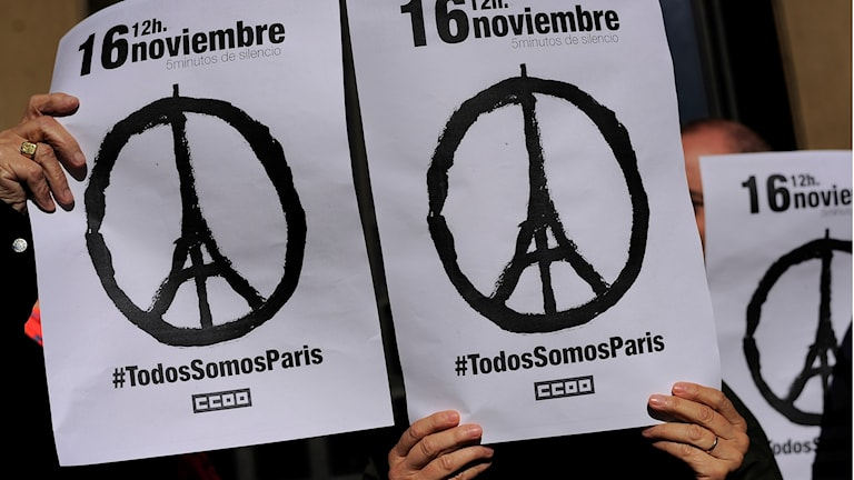 Tyst minut för Paris i Pamplona, Spanien. Foto: Maja Suslin/TT