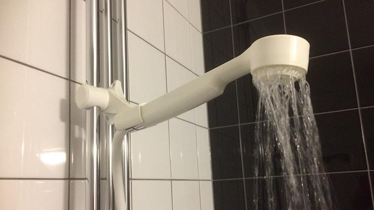 Rinnande dusch. Foto: Christina Turesson/Sveriges Radio.