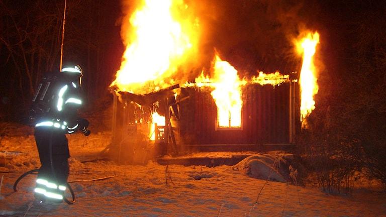 Brinnande hus. Foto: Torbjörn Karlsson/Räddningstjänsten