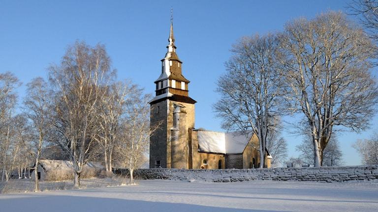 Örberga kyrka i vinterskrud Foto:Åke Svensson/Svenska kyrkan