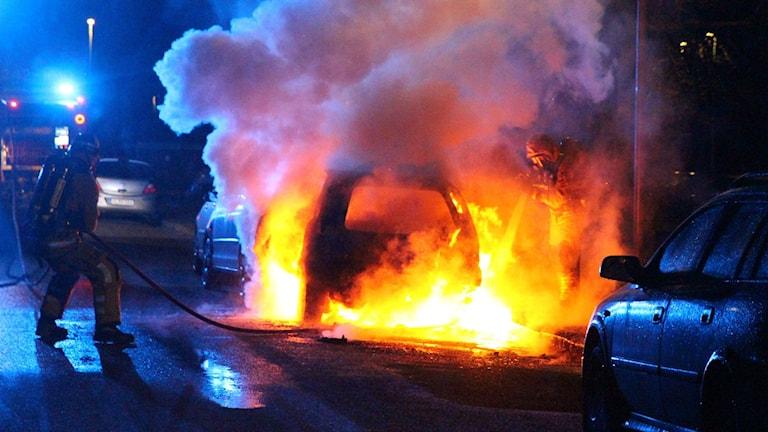 Bilbrand på Hyvlaregatan i Hageby i Norrköping Foto:Lennart S. Svensson