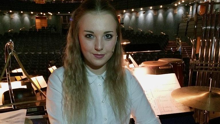 Lisa Borell på De Geergymnasiets musiklinje. Foto: Titti Elm/Sveriges Radio
