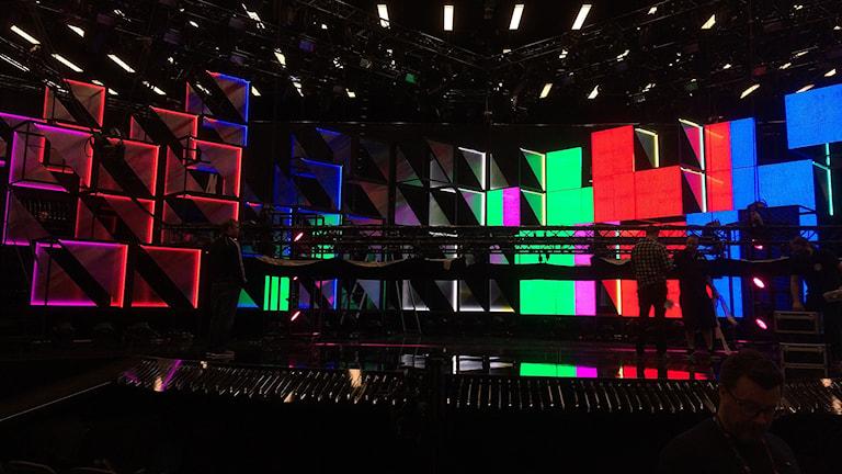 Scenbygge inför Melodifestivalen i Himmelstalundshallen i Norrköping.