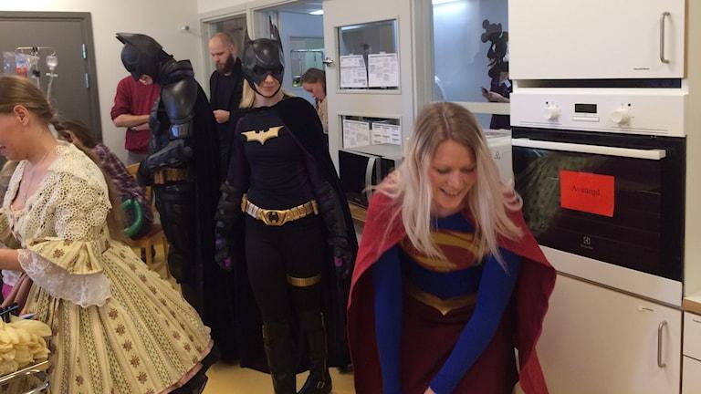 Superhjältarna möter barn på US Foto: Maria Turdén/Sveriges Radio