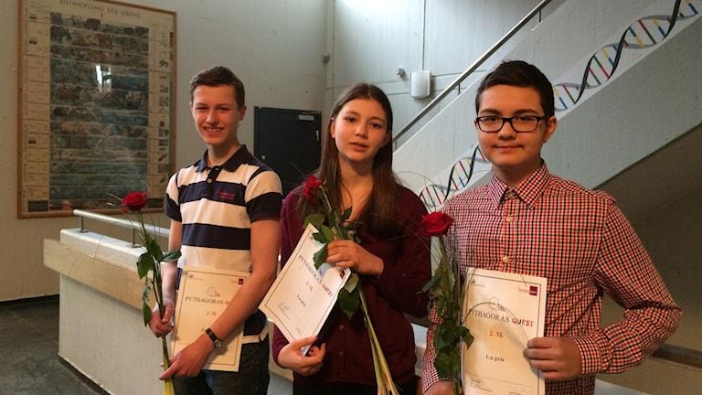 Henrik Angelstig, Julianna Holmberg och Omor Almamun