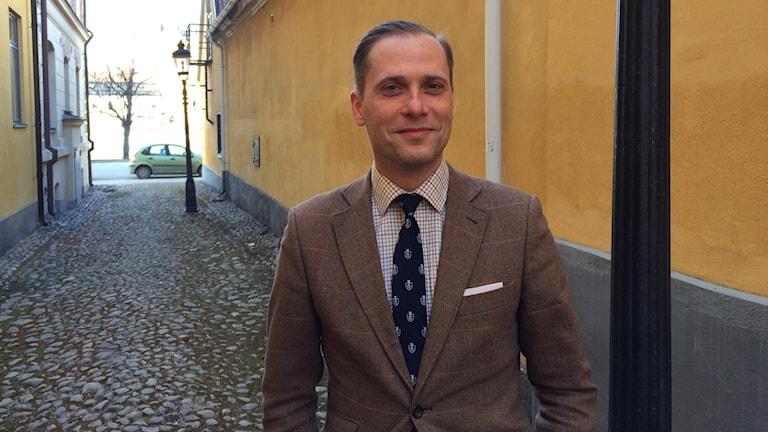 Historikern Christopher O´Reagan på Tre Prinsars Gränd.