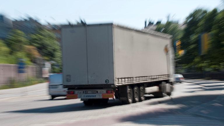 Lastbil på väg