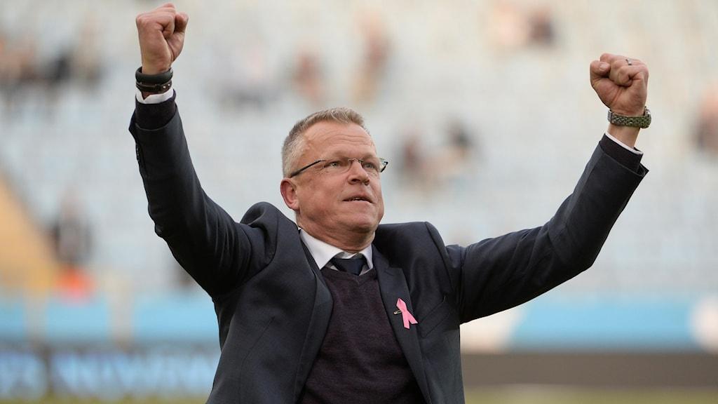 Janne Andersson jublar efter SM-guldet.