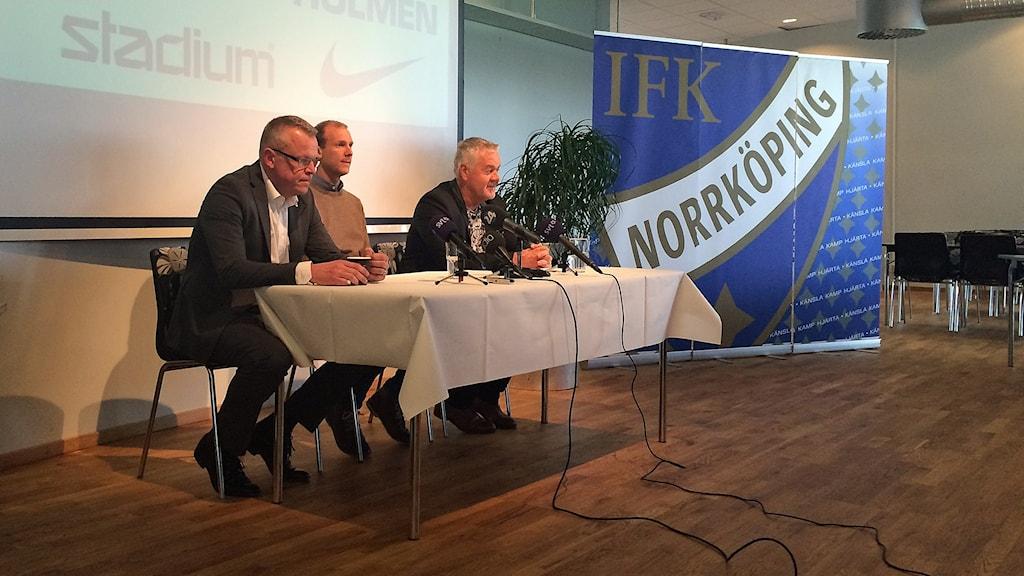 IFK:s presskonferens med tränaren Janne Andersson, lagkaptenen Andreas Johansson och ordföranden Peter Hunt.