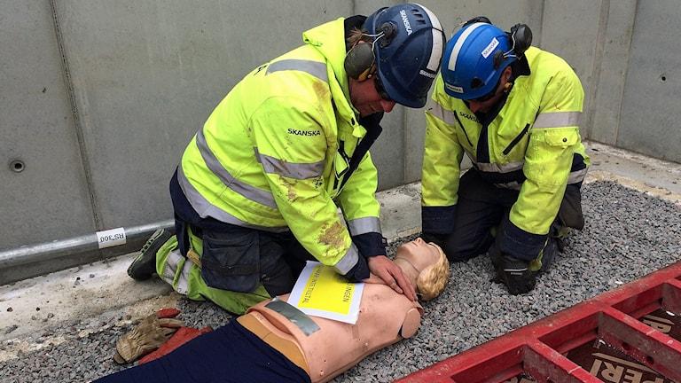 Övning av arbetsplatsolycka.