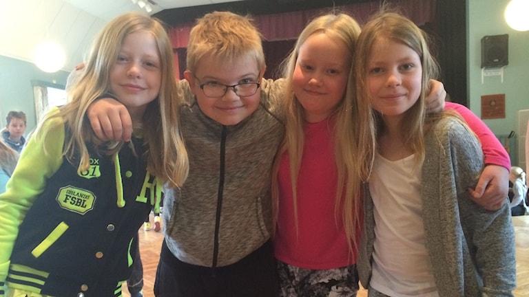Meja, Isak, Nova och Alva, treor på Vikbolandsskolan i Östra Husby.