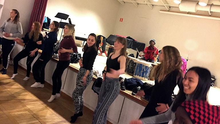 Elever dansade i Åtvidaberg.