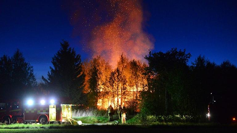 Kraftig brand. Foto: Niklas Luks/Nyhetswebben.se