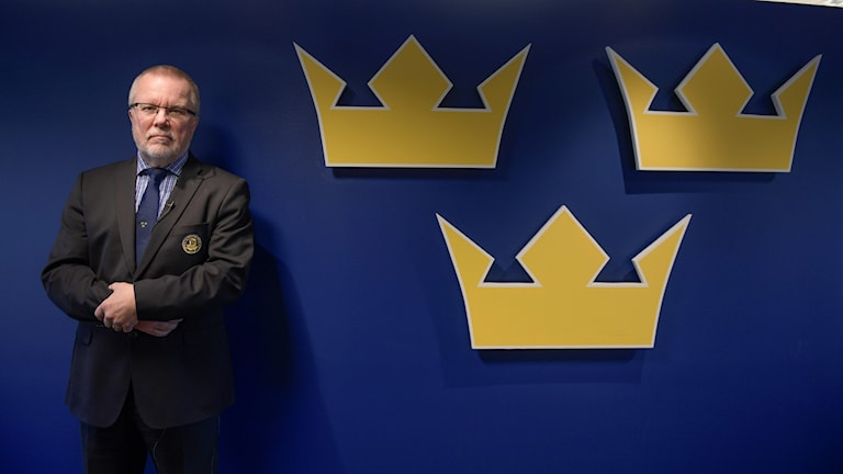 Damkronornas coach Leif Boork presenterar truppen till hockey-VM i USA i april.
