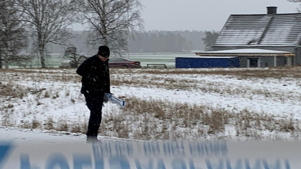 Polis utreder grovt människorov på Norrköpingsvägen utanför Linköping.
